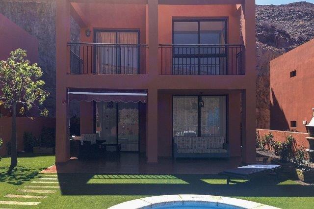 Villa Tauro - aanzicht villa