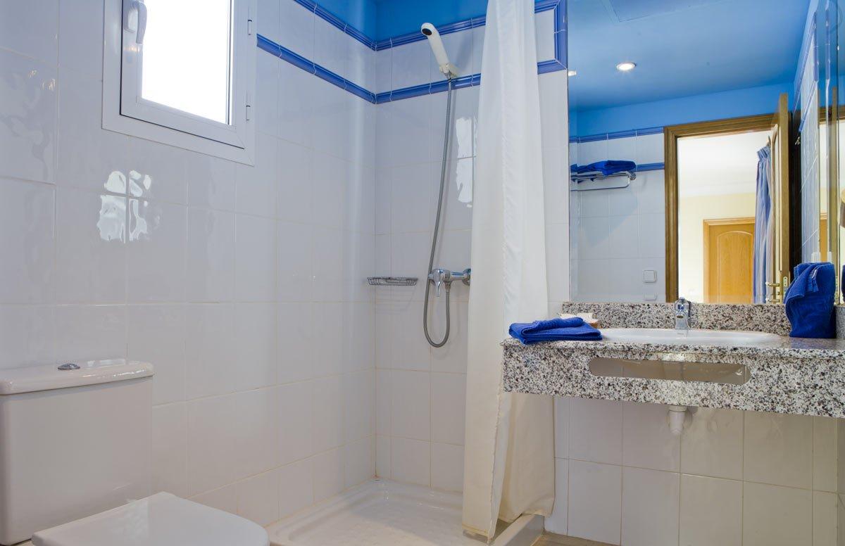Appartementen Coloradamar - badkamer