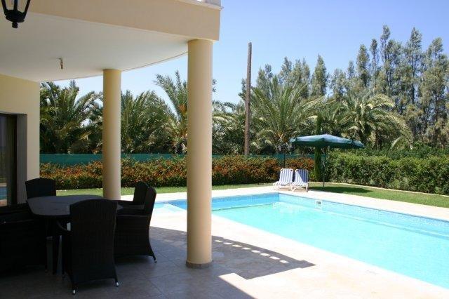 Villa Tsikos - terras