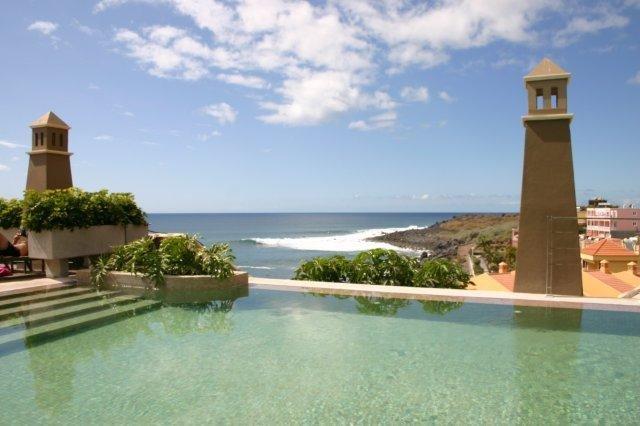 Hotel Playa Calera - zeezicht vanuit het zwembad