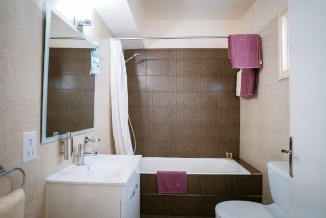Appartementen Vrachia - badkamer